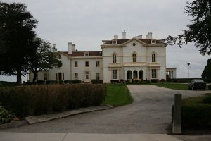 640px-Astors_Beechwood_Mansion_(2966829057)